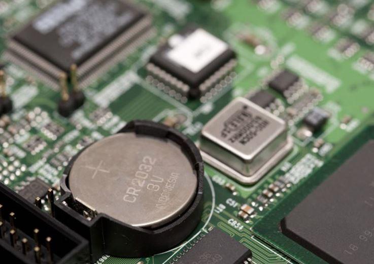 How to fix a CMOS checksum error in Windows 10?
